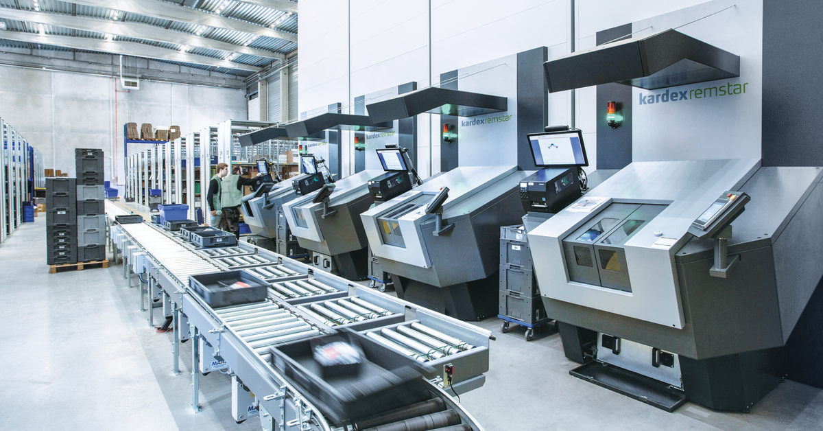 Conveyor systems and equipment Kardex remstar in the warehouse